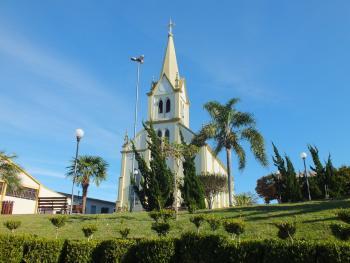 Igreja matriz São Caetano e praça
